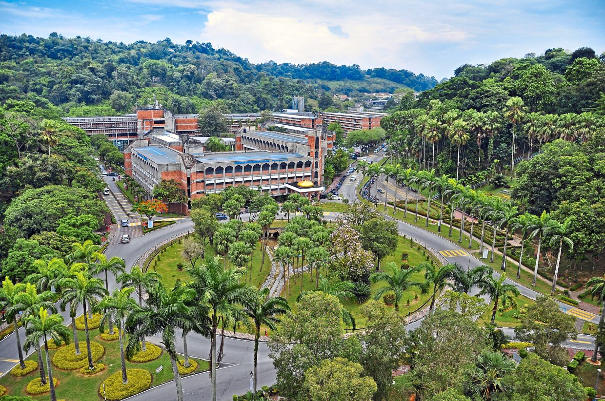 The Best University in Malaysia between Public and Private Universities